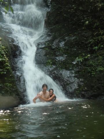 Zwemmen bij de waterval